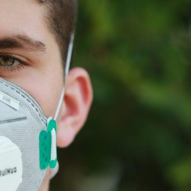 covid coronavirus n95 mask breathing